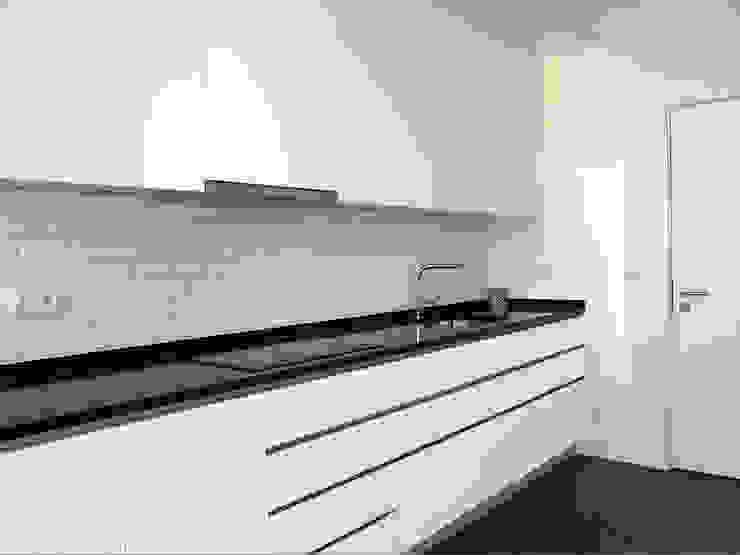 Cozinha ARCHDESIGN LX Cozinhas embutidas Tijolo Branco