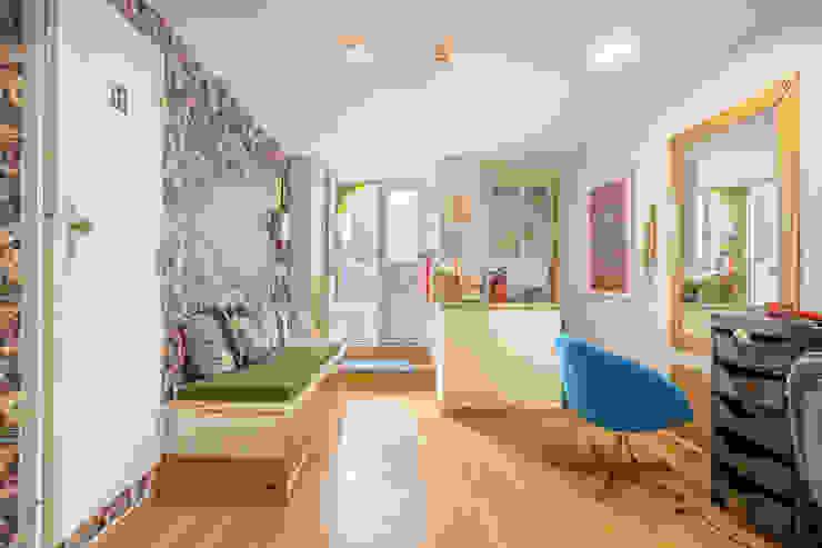 Janine Martins - Consultora Imobiliária | Arquitecta | Home Staging Ruang Studi/Kantor Klasik