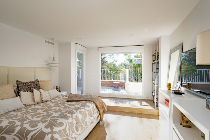 NEXUM ADAPTA SL Modern style bedroom Wood