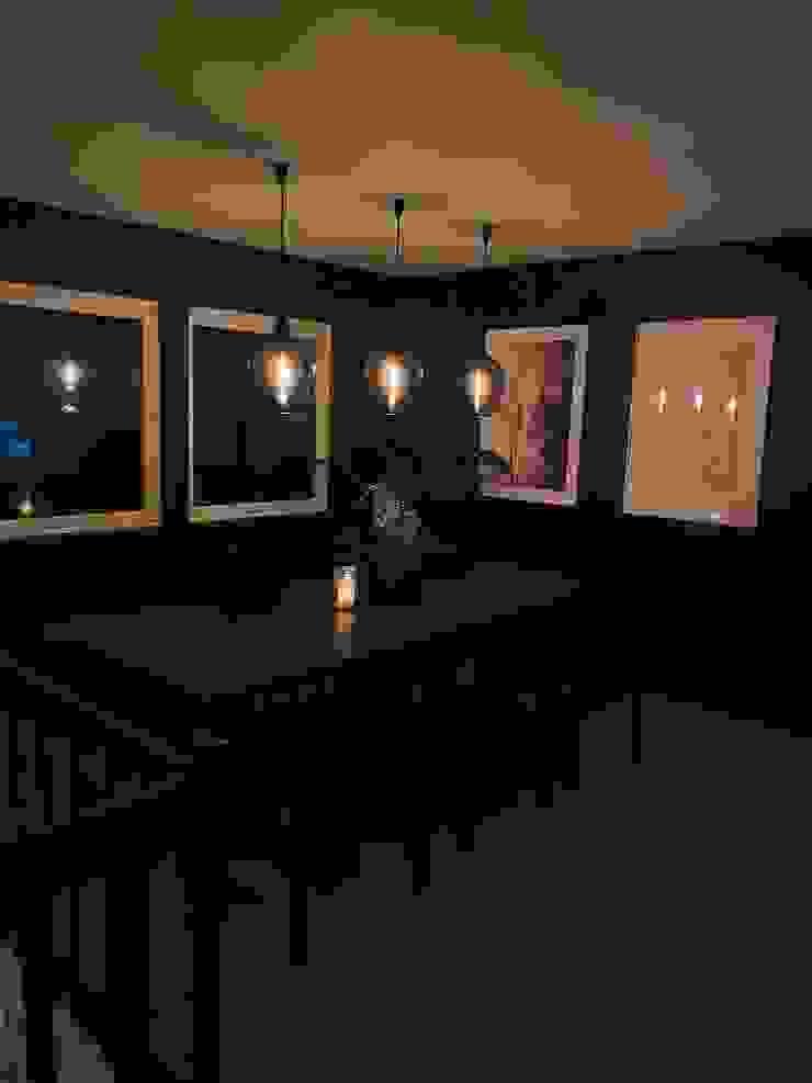 Stylish Open plan living room, London STAAC Modern dining room Wood Black