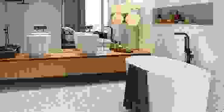 FHM Fliesenhaus München GmbH Industrial style bathrooms Tiles
