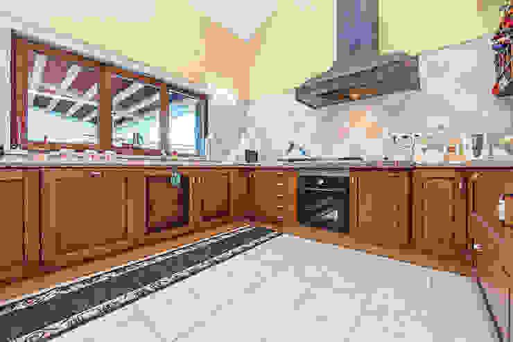 Janine Martins - Consultora Imobiliária | Arquitecta | Home Staging Dapur Klasik