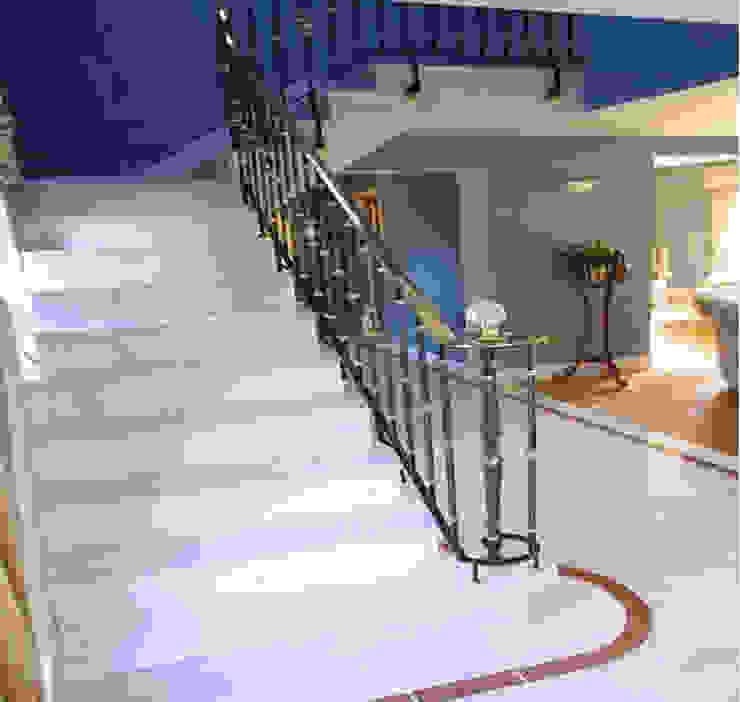 كاسل للإستشارات الهندسية وأعمال الديكور والتشطيبات العامة Stairs Wood-Plastic Composite Pink
