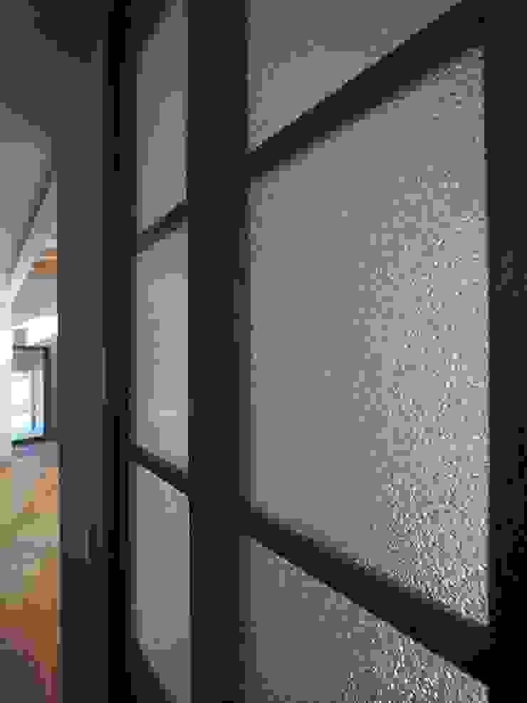 ai建築アトリエ 窗戶與門門