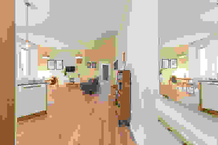 Ristrutturazione alloggio Ingresso, Corridoio & Scale in stile minimalista di Giada Bergamasco Photographer Minimalista