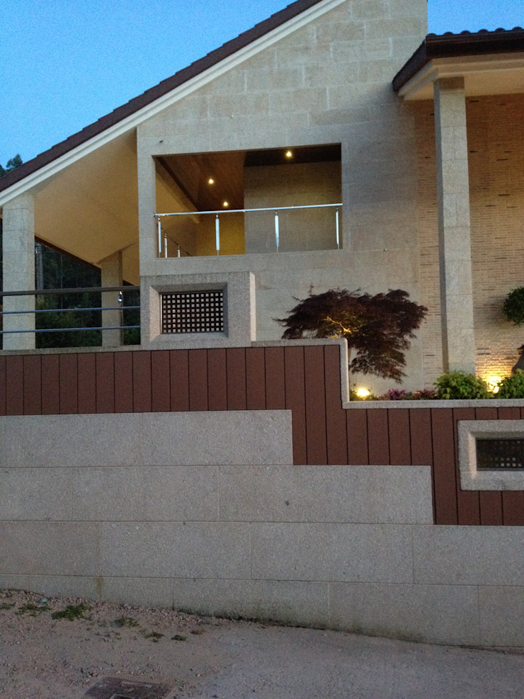 ARDEIN SOLUCIONES S.L. Modern Houses Granite Brown