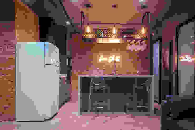 Cocina WINK GROUP Cocinas de estilo moderno
