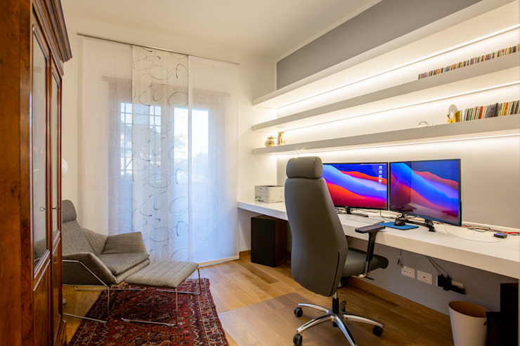 Facile Ristrutturare Modern Study Room and Home Office