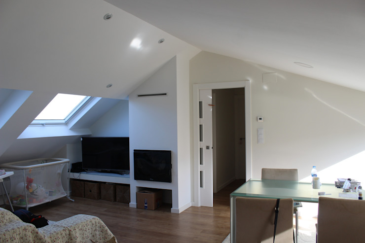 ARDEIN SOLUCIONES S.L. Small houses White