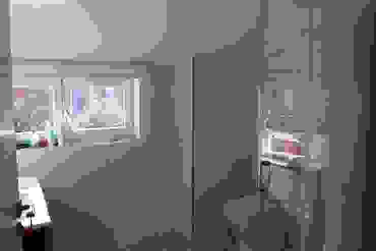 ARDEIN SOLUCIONES S.L. Modern Bathroom White