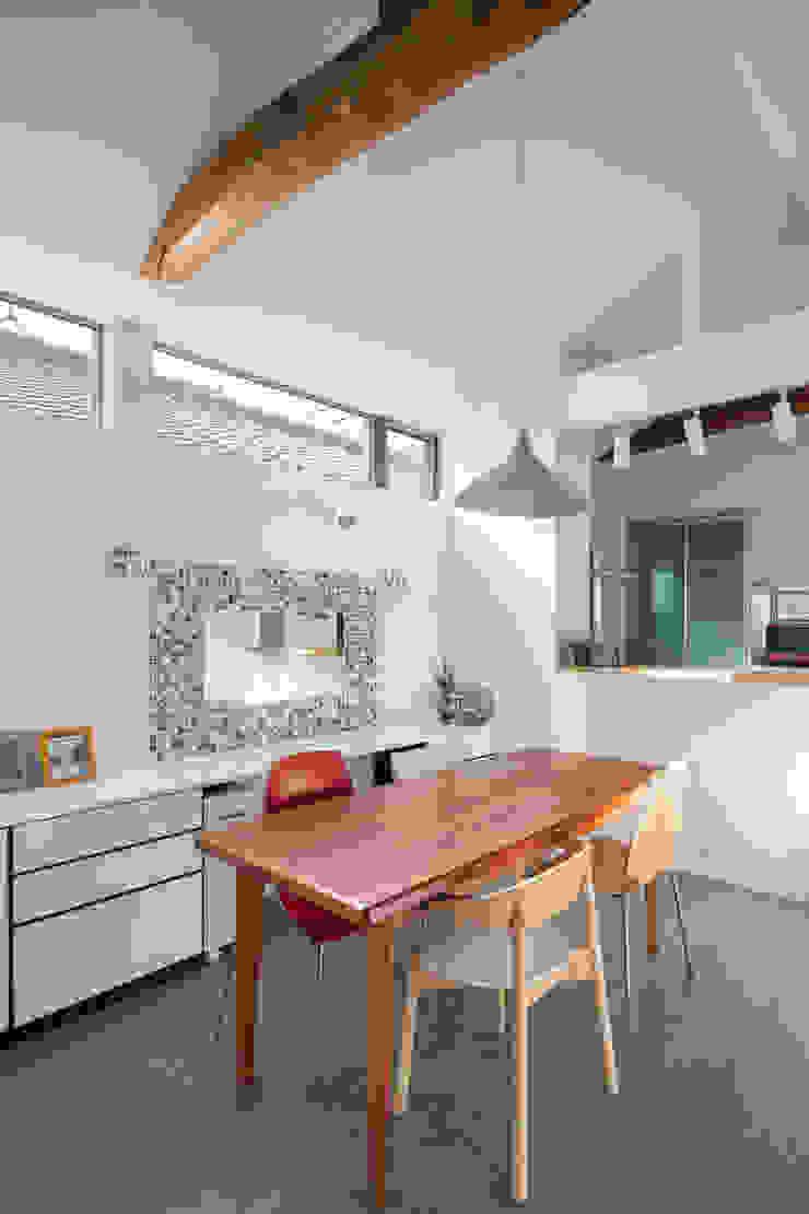 一級建築士事務所アトリエm Scandinavian style dining room