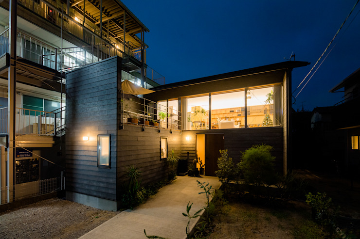 株式会社長野聖二建築設計處 Casas de estilo moderno