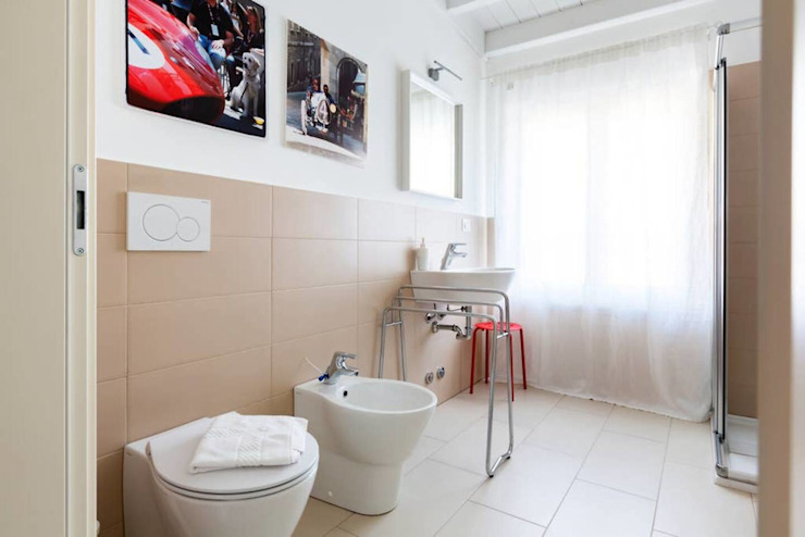 bagno con doccia Filippo Zuliani Architetto Bagno moderno Ceramica Bianco