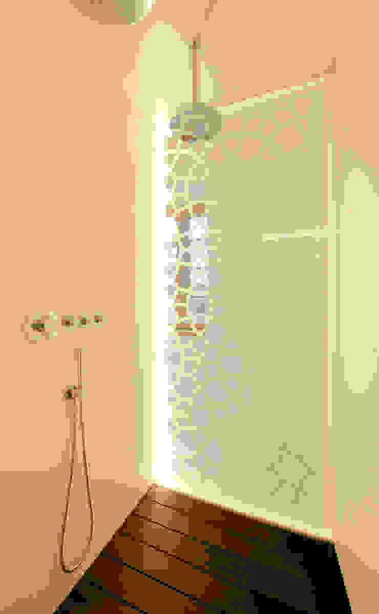 3rdskin architecture gmbh 浴室 White