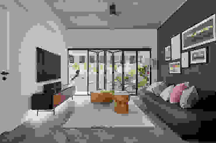Moh Guan Eightytwo Modern living room