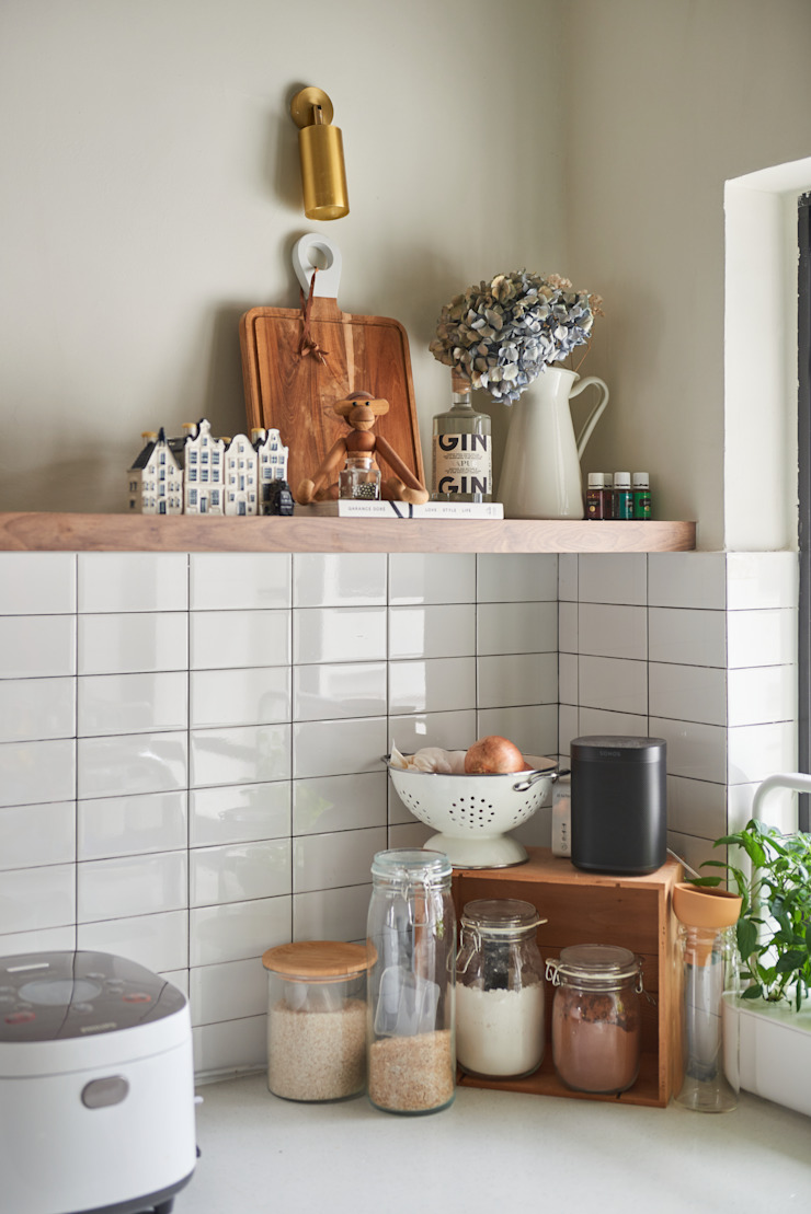 Moh Guan Eightytwo Modern kitchen