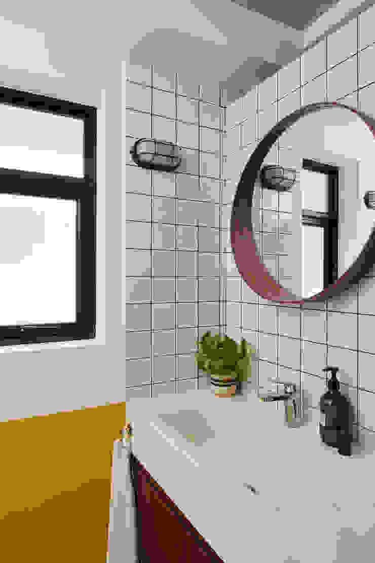 Moh Guan Eightytwo Modern bathroom