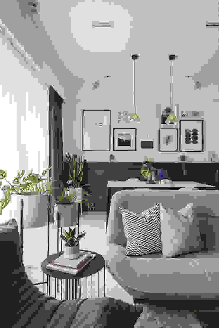 Quinterra Eightytwo Modern living room