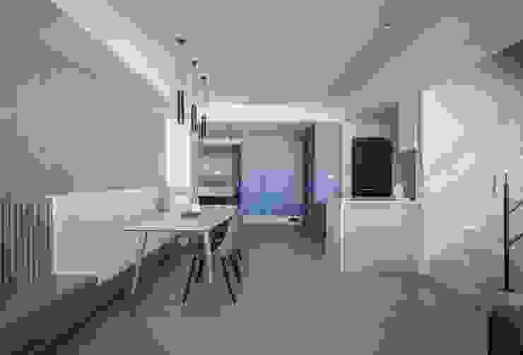 樓中樓 | 玄關鞋櫃 有隅空間規劃所 Scandinavian style dining room Wood White