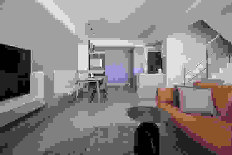 樓中樓 | 公共空間 有隅空間規劃所 Living room Wood White