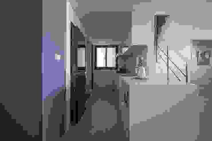 樓中樓 | 開放式廚房 有隅空間規劃所 Kitchen units Quartz White