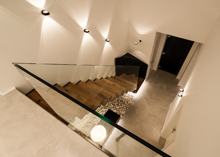 schulz.rooms Modern corridor, hallway & stairs