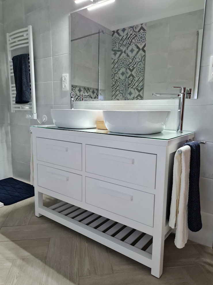 Decor-in, Lda Mediterranean style bathroom Ceramic White