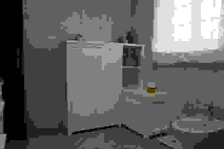 Decor-in, Lda Mediterranean style bathroom Wood White