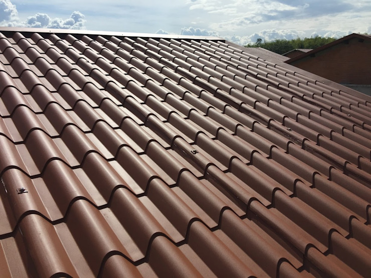 Gonzalez Canal SAS Hipped roof Brown