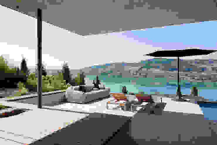 Hegi Koch Kolb Architekten - Einfamilienhaus Gampp, Wohlen Hegi Koch Kolb + Partner Architekten AG Moderner Balkon, Veranda & Terrasse
