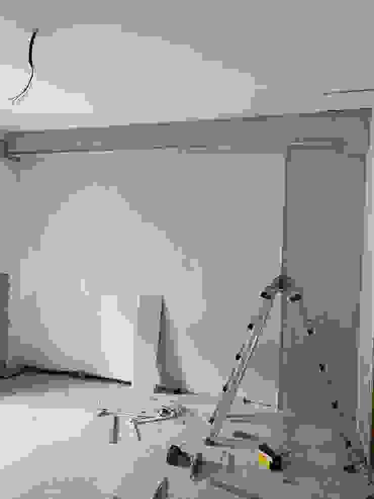 Esecuzione tamponamento in cartongesso parete e realizzazione veletta C.M.E. srl Cucina moderna