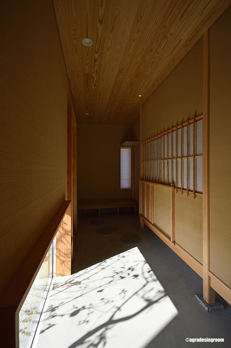 アグラ設計室一級建築士事務所 agra design room Modern Corridor, Hallway and Staircase
