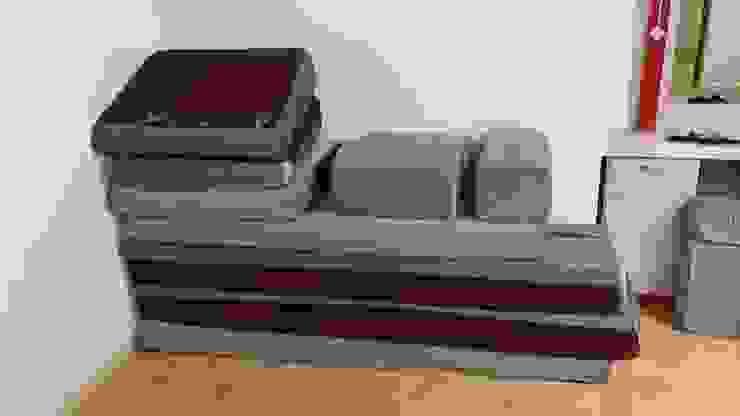 شراء اثاث مستعمل شرق الرياض 0530497714 Garage/Rimessa Piastrelle Viola/Ciclamino