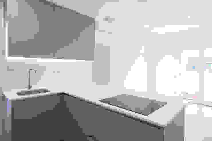Muebles de cocina Grupo Inventia Cocinas equipadas Compuestos de madera y plástico Beige
