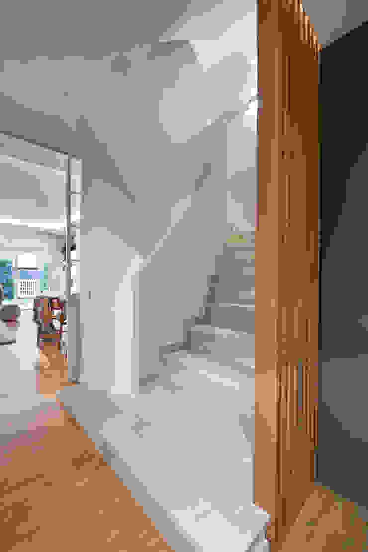 Egue y Seta Mediterranean corridor, hallway & stairs