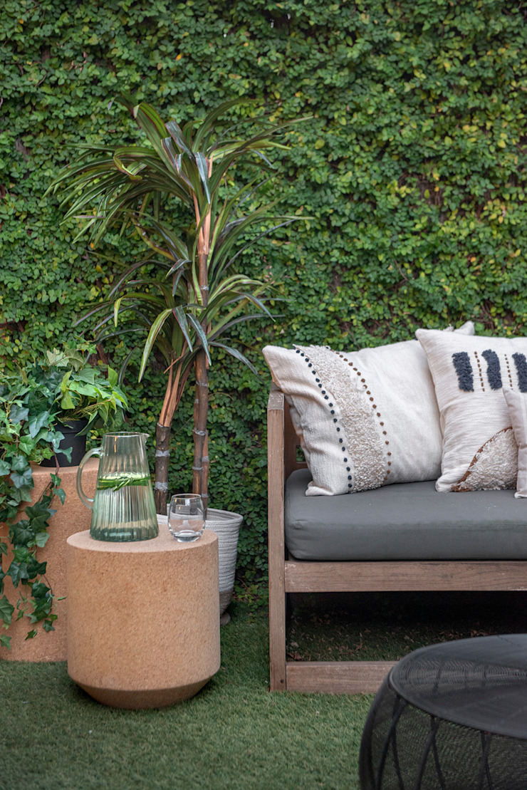 Egue y Seta Mediterranean style garden