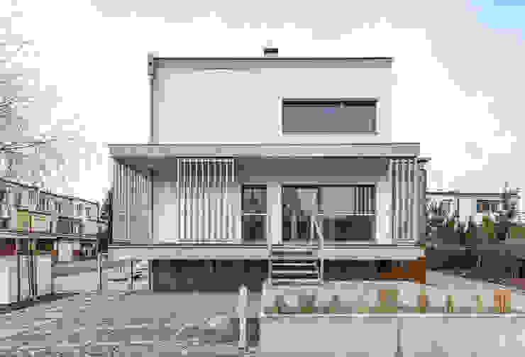 ENDE marcin lewandowicz Modern Houses