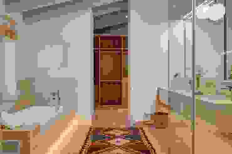Quark Arquitectura Kamar Mandi Gaya Mediteran