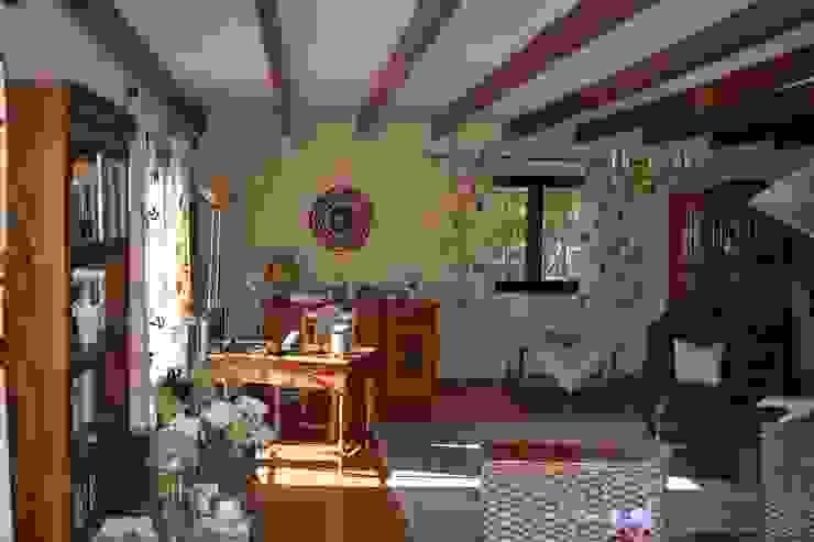 Hemme & Cortell Construcciones S.L. Mediterranean style hotels Wood Brown