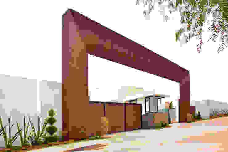 Kiinch Terrace house