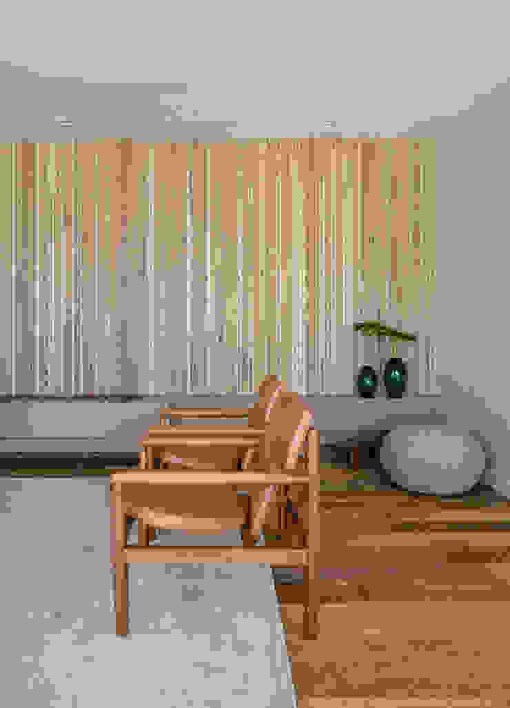 DCC by Next arquitetura Salas de estilo minimalista Beige