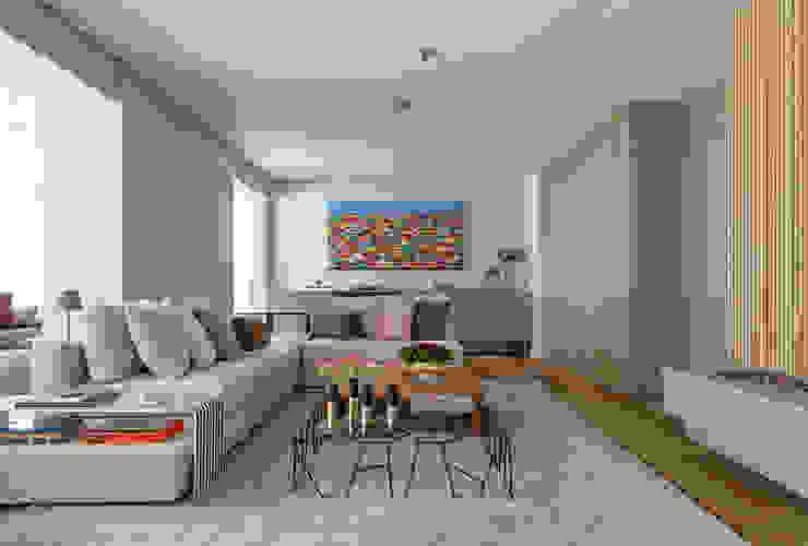 DCC by Next arquitetura Salas de estilo mediterraneo Beige