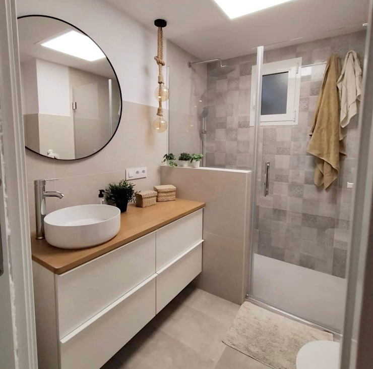 Kouch & Boulé Minimalist bathroom White