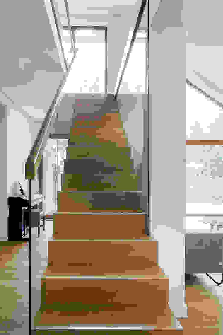 BRODA schody-dywanowe Tangga Kayu