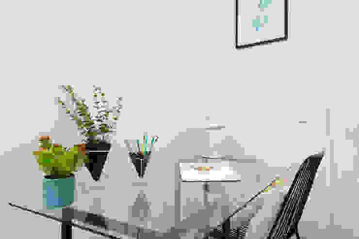 Theunissen Staging y Decoración SL Office spaces & stores Kaca Transparent