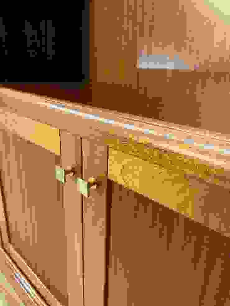 Falegnameria su misura Study/officeCupboards & shelving Kayu