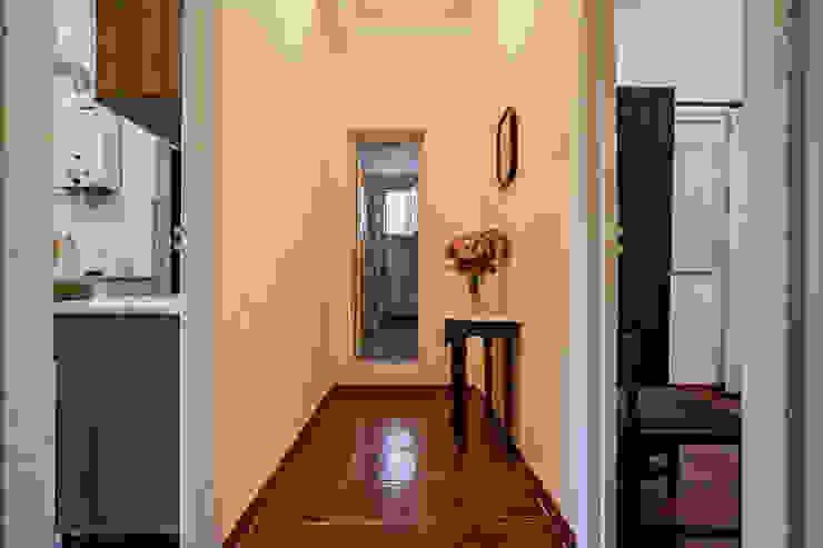 Janine Martins - Consultora Imobiliária | Arquitecta | Home Staging Koridor & Tangga Gaya Rustic