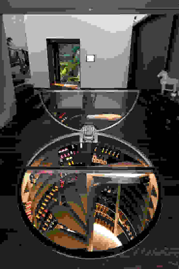 Cave do Vinho Modern Living Room