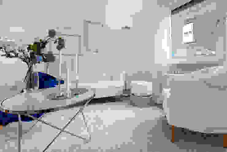 Cornelia Augustin Home Staging カントリーデザインの リビング