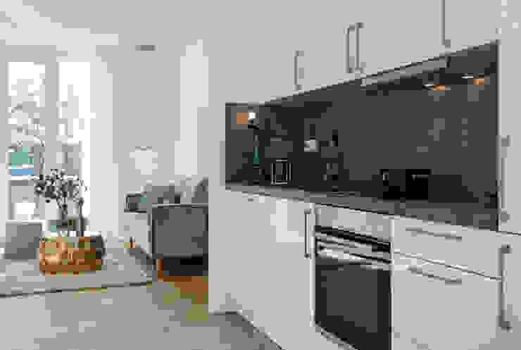 Cornelia Augustin Home Staging Cocinas de estilo moderno